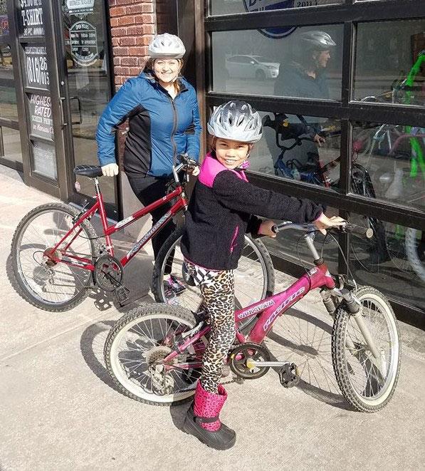 Family gets bikes