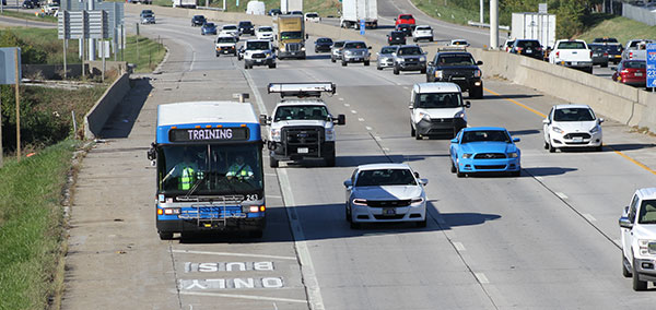 RideKC bus driving northbound on shoulder of I-35